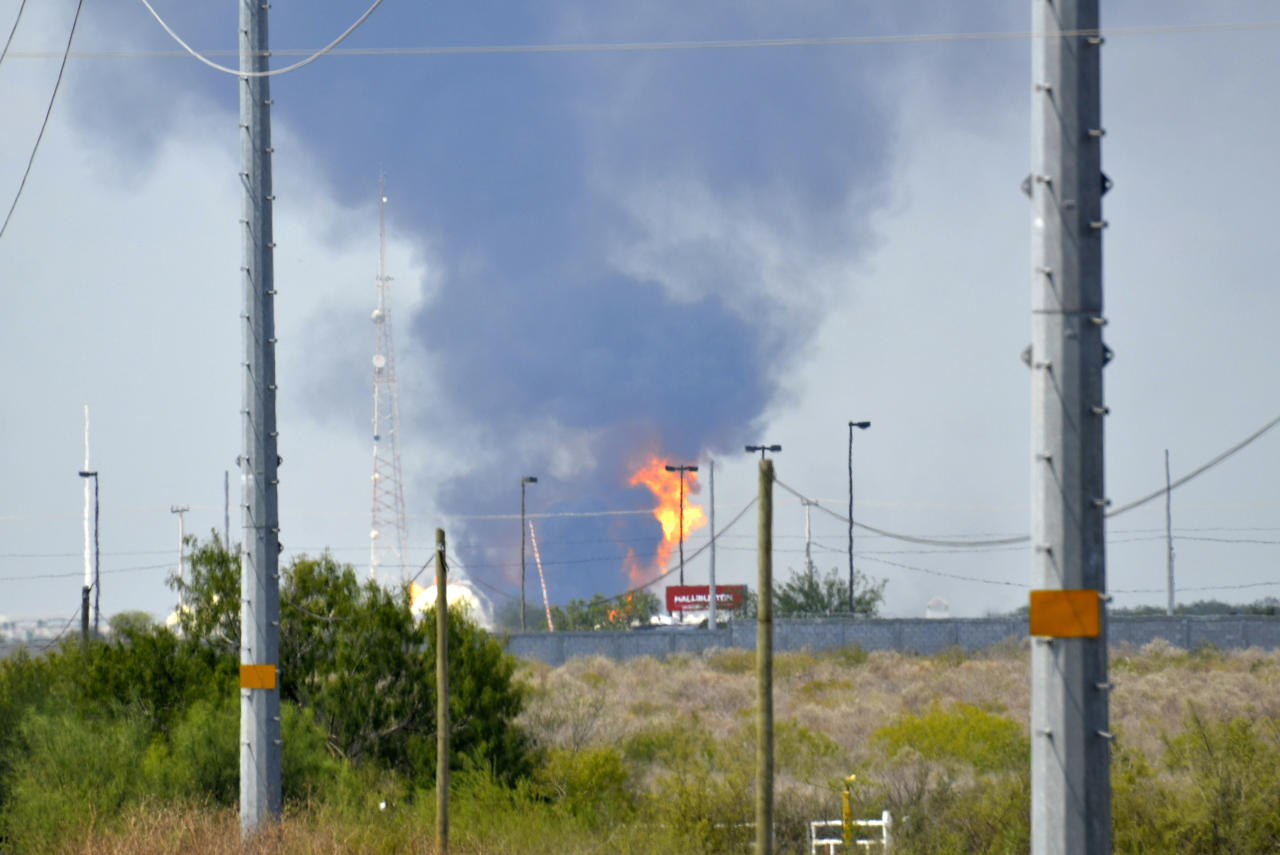 Fire and smoke rise from a gas pipeline distribution center in Reynosa, Mexico near Mexico's border with the United States, Tuesday Sept. 18, 2012. Mexico's state-owned oil company, Petroleos Mexicanos, also known as Pemex said the fire had been extinguished and the pipeline had been shut off but ten people were killed during the incident. (AP Photo/El Manana de Reynosa)