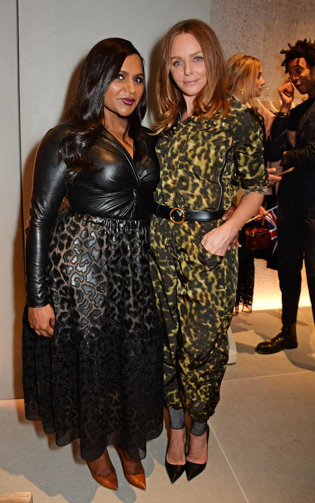 Stella McCartney (right) posed with Mindy Kaling at the launch of her new London boutique. (Photo: David M. Benett/Dave Benett/Getty Images for Stella McCartney)