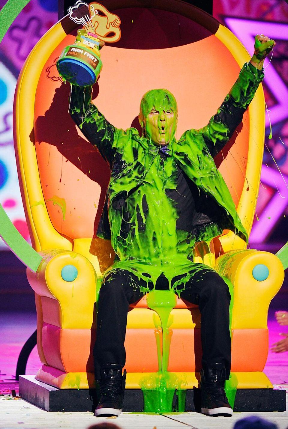 <p>I'm just gonna say it, dude looks like he's peeing slime. </p>