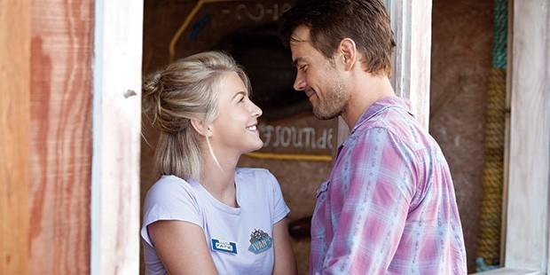 Julianne, Josh and Cobie: The Cast of Safe Haven Style Transformation