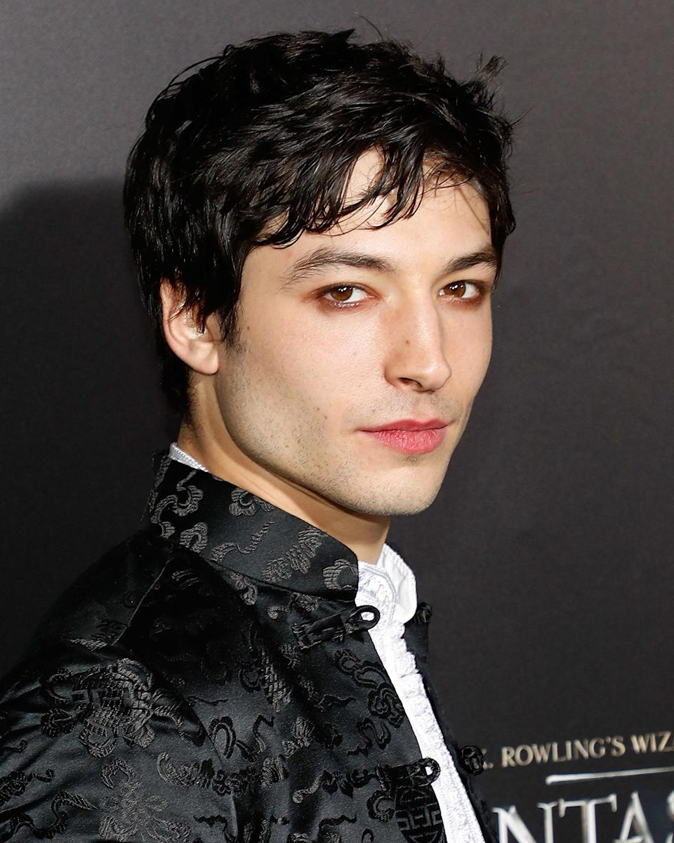 Ezra previously wore make-up for the 'Fantastic Beasts' premiere last year [Photo: Getty]