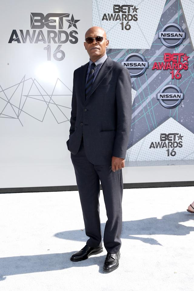 <p>Receiving thelifetime achievement award, the <i>Snakes on a Plane </i>actor suited up for the occasion.<i>(Photo: Getty Images)</i></p>