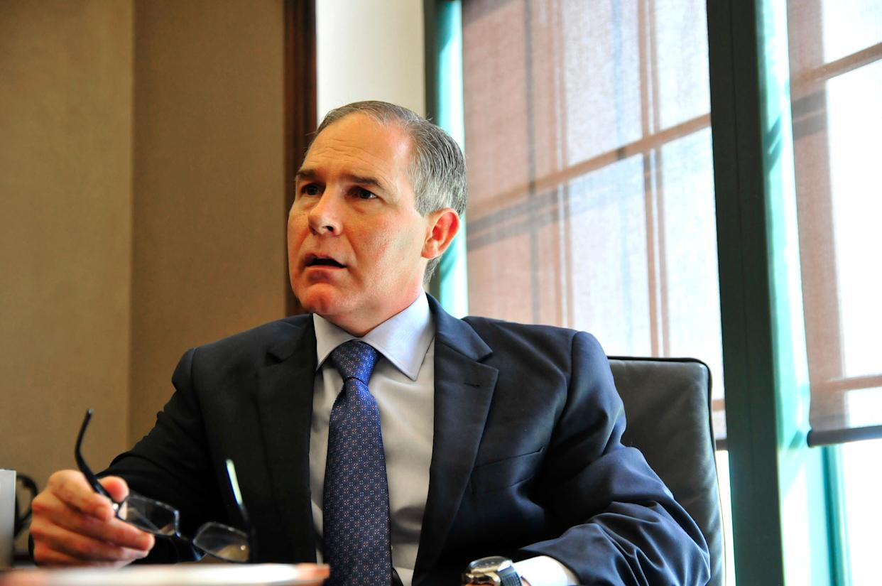 The EPA's top ethics official clarified his defense of agency chief Scott Pruitt on Wednesday. (Photo: Nick Oxford / Reuters)