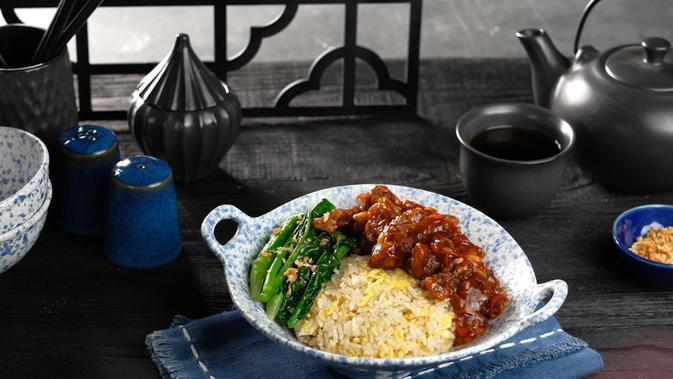 Mongolian Beef. (Stir-Fry Beef Simmered In Soy, Brown Sugar Garlic And Ginger Sauce)