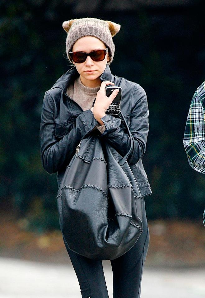 "Tiny Mary-Kate Olsen's color-coordinated cap and sweater combo looks cute, but leaves her shivering. Sasha-Mariotto/<a href=""http://www.x17online.com"" target=""new"">X17 Online</a> - March 29, 2009"