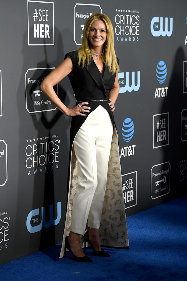 <p>Julia Roberts rocked a monochrome pant suit, similar to her Golden Globes look. Source: Getty </p>