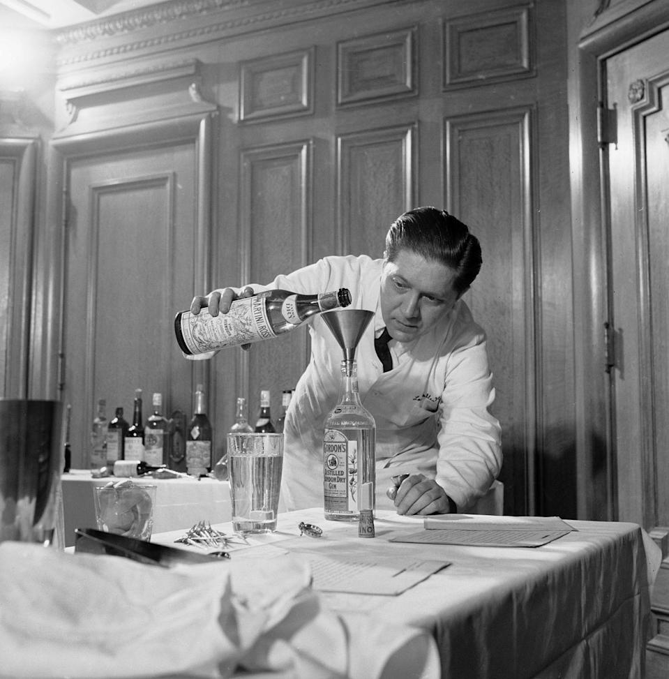 <p>From Tom Collins and Gimlets to Martinis and Manhattans, people drank complex cocktails back in the day. If you were hosting, you had better be ready to whip up anything. </p>