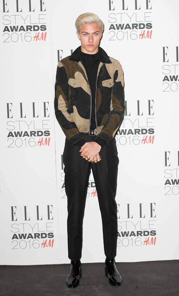 <p>The young model, who won the award for Male Model of the Year, looked sharp in a funky jacket and patent-leather shoes. (<i>Photo: Getty Images</i>)</p>