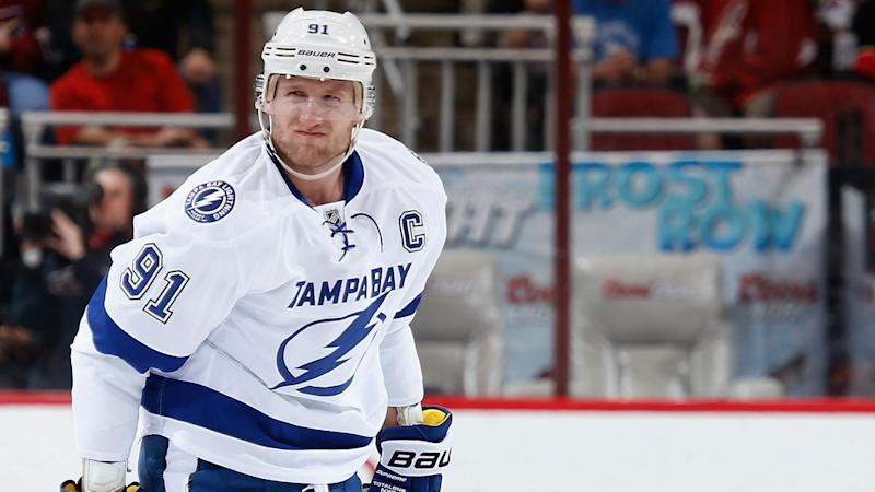 Steven Stamkos Likely To Miss At Least 4 Months After Knee Surgery Report Says