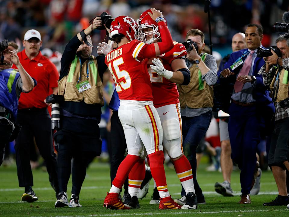 Patrick Mahomes celebrates with Austin Reiter after the Chiefs' 31-20 win over the San Francisco 49ers in Super Bowl LIV. (Nhat V. Meyer/MediaNews Group/The Mercury News via Getty Images)
