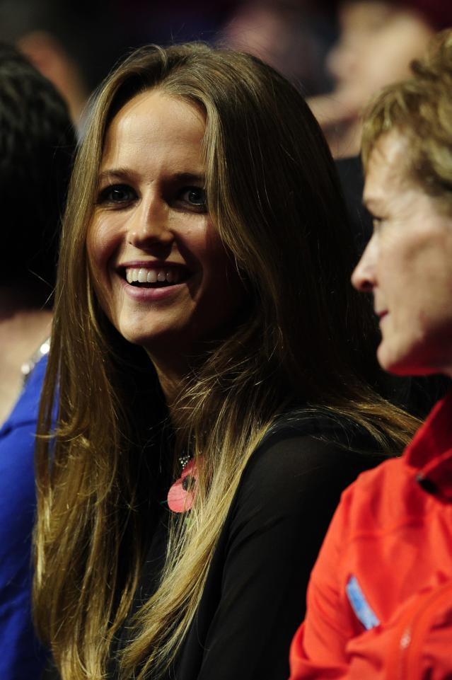 Kim Sears (L), the girlfriend of Britain's Andy Murray, sitting next to Murray's mother Judy (R), watches Murray play against Serbia's Novak Djokovic during their group A singles match in the round robin stage on the third day of the ATP World Tour Finals tennis tournament in London on November 7, 2012. AFP PHOTO / GLYN KIRKGLYN KIRK/AFP/Getty Images