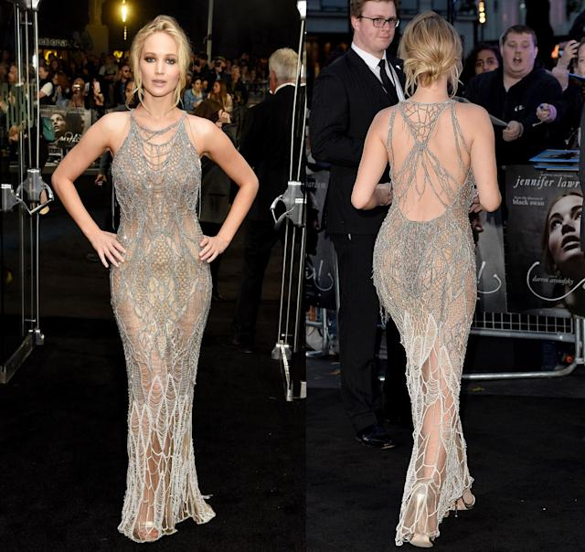 Front and back views of Jennifer Lawrence's Versace dress. (Photo: Getty Images)