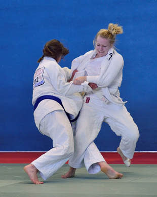 Judo federation orders Saudi woman to compete without hijab