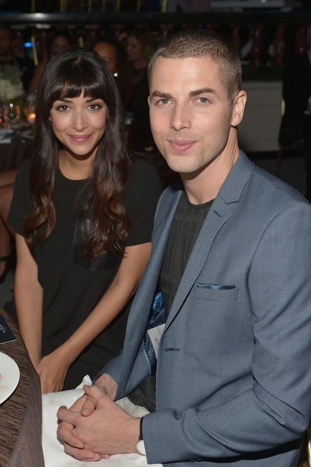 """<p>The<em>New Girl</em><span> star has been very private about her relationship and personal life. But</span><span>sources<a rel=""""nofollow"""" href=""""http://www.usmagazine.com/celebrity-news/news/hannah-simone-is-married-to-jesse-giddings-and-pregnant-w476430"""">confirmed</a> that Simone and Giddings privately married in """"an intimate wedding ceremony"""" back in July 2016 — effectively having kept their marriage a secret for an impressive 9 months. On top of that, sources also confirmed that the two are currently <a rel=""""nofollow"""" href=""""http://www.redbookmag.com/body/pregnancy-fertility/news/g4128/celebrities-pregnant/?slide=1"""">expecting their first child</a>.</span></p><p><span><strong><strong>RELATED:<a rel=""""nofollow"""" href=""""http://www.redbookmag.com/fashion/g3788/most-expensive-wedding-dresses/"""">9 of the Most Expensive Celebrity Wedding Dresses Ever</a></strong><span></span></strong><br></span></p>"""