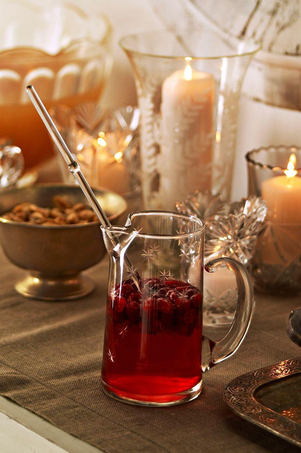 """<p>If warm apple cider just isn't enough, it's time for a batch of warm bourbon cider. It's basically you're typical apple cider recipe, but with a dash of bourbon. </p><p><a href=""""https://www.countryliving.com/food-drinks/recipes/a3290/warm-bourbon-cider-recipe/"""" rel=""""nofollow noopener"""" target=""""_blank"""" data-ylk=""""slk:Get the recipe from Country Living »"""" class=""""link rapid-noclick-resp""""><em>Get the recipe from Country Living »</em></a></p>"""