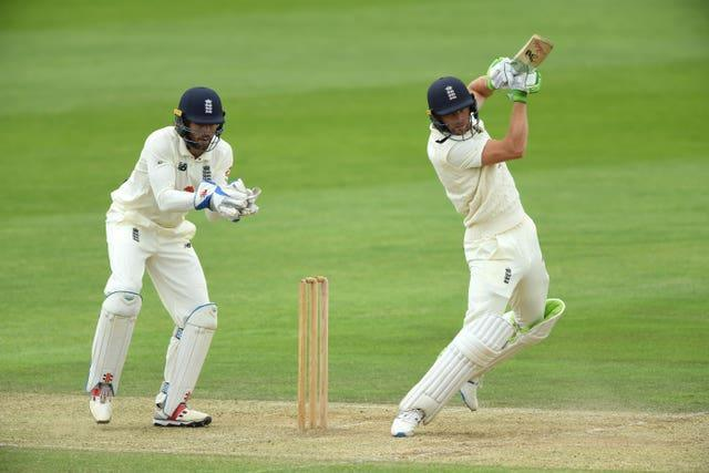 Ben Foakes (left) will take the place of Jos Buttler (batting) in Chennai.