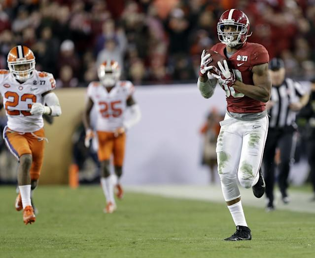 O.J. Howard had 83 catches over the past two seasons for Alabama. (Getty)