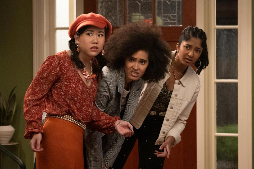 NEVER HAVE I EVER (L to R) RAMONA YOUNG as ELEANOR WONG, LEE RODRIGUEZ as FABIOLA TORRES, and MAITREYI RAMAKRISHNAN as DEVI VISHWAKUMAR in episode 202 of NEVER HAVE I EVER Cr. ISABELLA B. VOSMIKOVA/NETFLIX © 2021