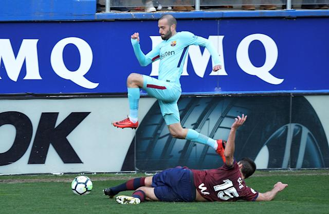 Soccer Football - La Liga Santander - Eibar vs FC Barcelona - Ipurua, Eibar, Spain - February 17, 2018 Barcelona's Aleix Vidal in action with Eibar's Jose Angel REUTERS/Vincent West