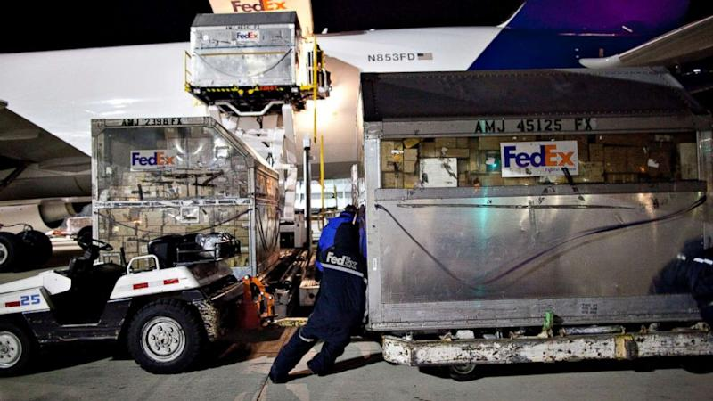 fedex worker killed in accident at memphis hub
