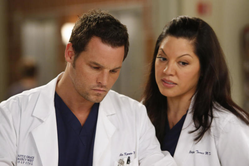 Grey\'s Anatomy\' stars sign new contracts to return for next season