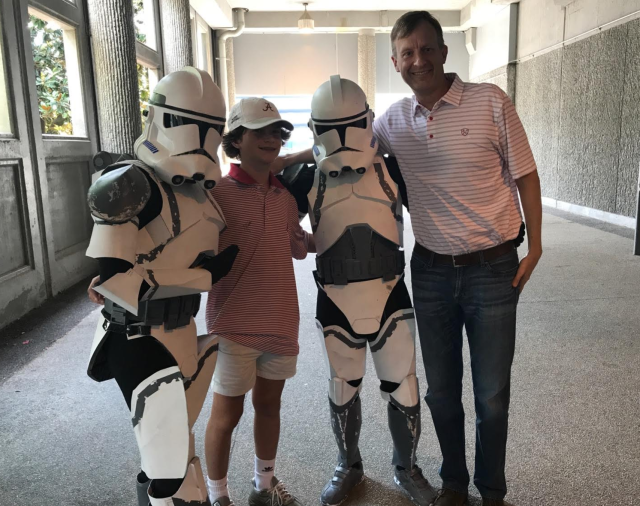 Bama fans and DragonCon attendees unite. (Courtesy Tim York)