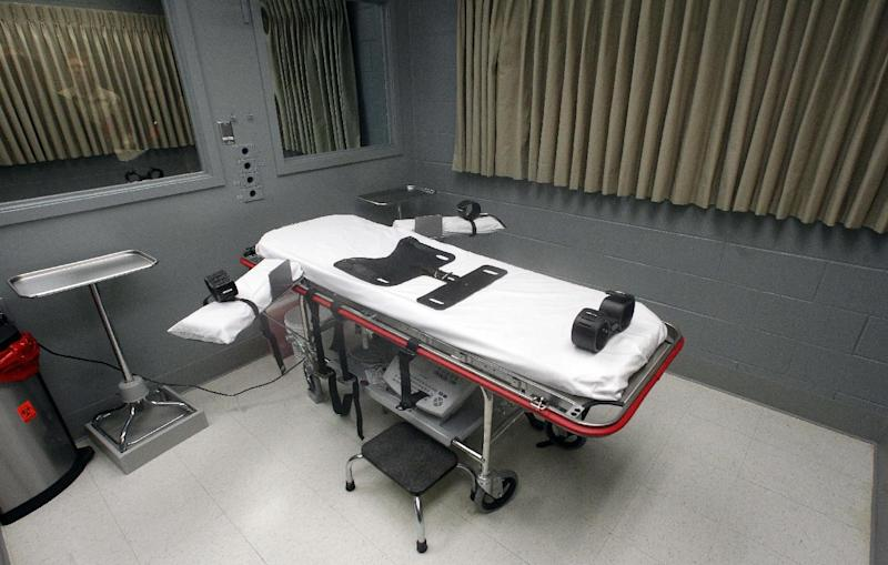 FILE - This Nov. 18, 2011 file photo shows the execution room at the Oregon State Penitentiary, in Salem, Ore. The United States was the only Western democracy that executed prisoners last year, even as an increasing number of U.S. states are moving to abolish the death penalty, Amnesty International announced Monday, March 26, 2012. Oregon adopted a moratorium on executions last year. (AP Photo/Rick Bowmer, File)