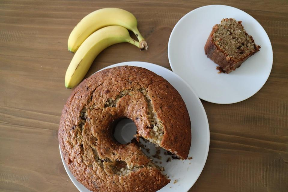 "<p>What's the best thing since sliced bread? Chrissy Teigen's banana bread! This recipe is so good, you might forget other breads all together.</p> <p><strong>Get the recipe</strong>: <a href=""https://www.popsugar.com/food/chrissy-teigen-banana-bread-recipe-47365474"" class=""link rapid-noclick-resp"" rel=""nofollow noopener"" target=""_blank"" data-ylk=""slk:Chrissy Teigen's banana bread"">Chrissy Teigen's banana bread</a></p>"