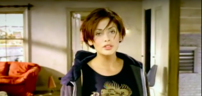 "Natalie Imbruglia's iconic song ""Torn"" was a cover, and Twitter is SHOOK"