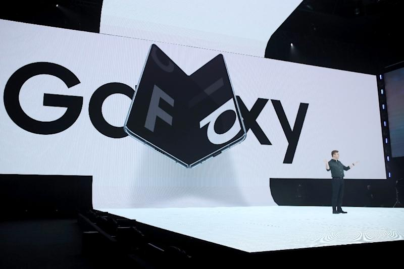 Samsung senior vice president of product marketing Justin Denison announces the new Samsung Galaxy Fold smartphone during the Samsung Unpacked event on February 20, 2019 in San Francisco, California (AFP Photo/JUSTIN SULLIVAN)