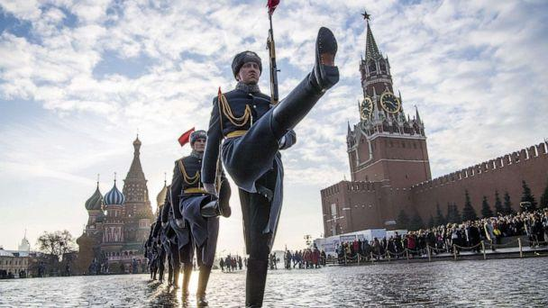 PHOTO: Russian honor guards march during ae military parade in Moscow's Red Square on Nov. 7, 2018. (Mladen Antonov/AFP via Getty Images, FILE)