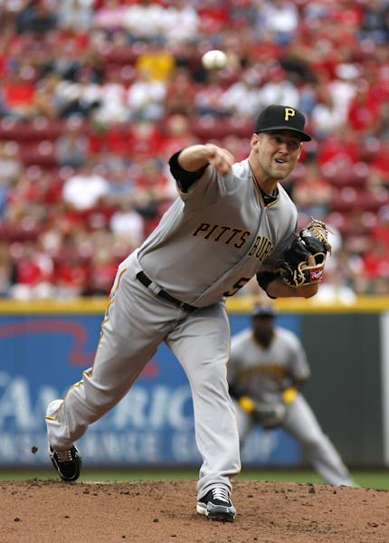 Pittsburgh Pirates starting pitcher Brandon Cumpton throws against the Cincinnati Reds during the first inning of a baseball game onSunday, Sept. 29, 2013, in Cincinnati. (AP Photo/David Kohl)