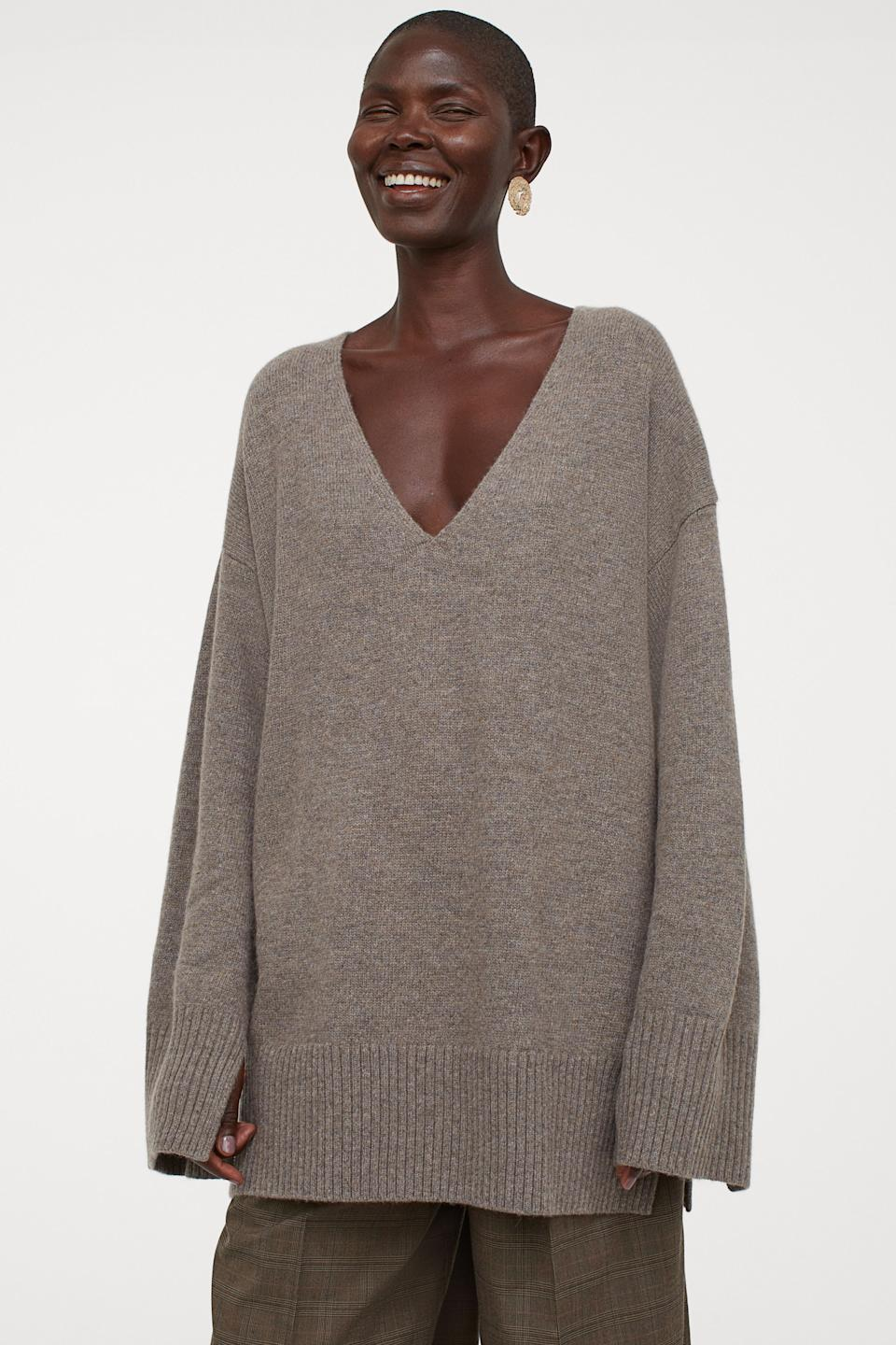 10 oversized sweaters that will keep you cozy this fall