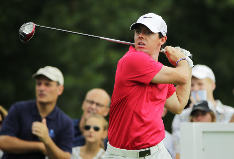 Rory McIlroy of Northern Ireland drives from the 12th tee during the first round of The Barclays at The Ridgewood Country Club on August 21, 2014 in Paramus, New Jersey (AFP Photo/Hunter Martin)