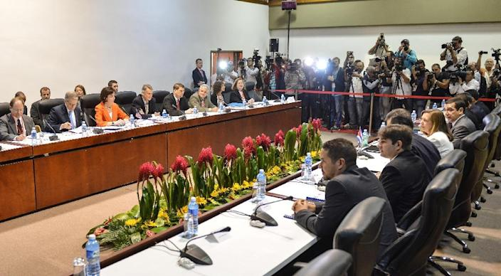 General view of closed-door talks between Cuba and the United State at the Convention Palace in Havana, on January 22, 2015 (AFP Photo/Adalberto Roque)