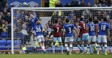 Britain Soccer Football - Everton v Burnley - Premier League - Goodison Park - 15/4/17 Everton's Ross Barkley clears off the line Reuters / Andrew Yates Livepic