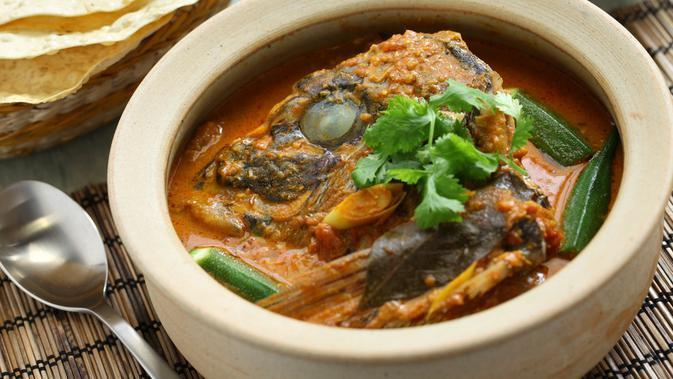 Curry Fish Head/Shutterstock