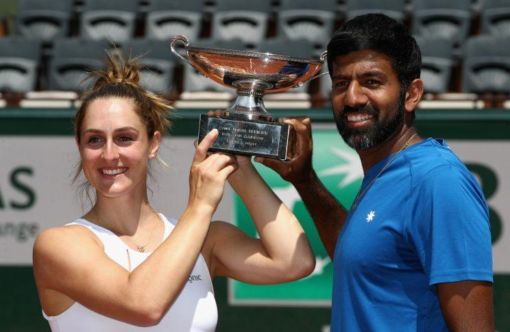 Gabriela Dabrowski of Canada and Rohan Bopanna celebrate after winning the 2017 French Open mixed doubles title. (Getty Images).