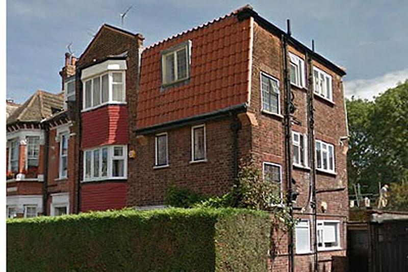 The flat at the centre of the row (Richard Gittins/Champion News)