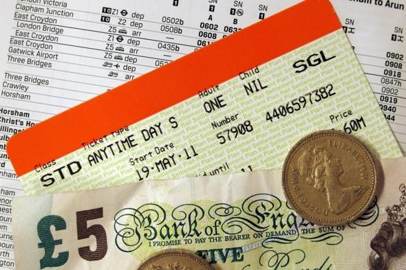 London Tube and bus fares to rise 7% from January 2012