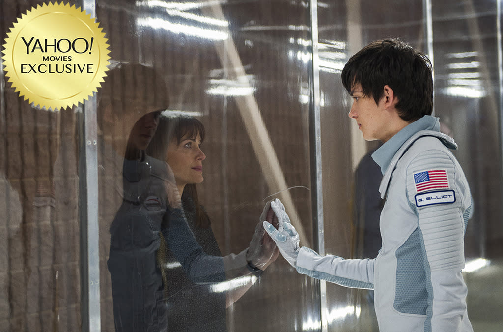 """<p>Move over, Matt Damon! You're not the only man looking to get off of Mars anymore. Born 16 years before, while his late mother was en route to colonize the Red Planet, rebellious teenager Gardner Elliot (Asa Butterfield) heads back to Earth, where he makes a love connection with Tulsa (Britt Robertson) that may not survive his suddenly perilous medical condition. 