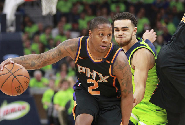 """<a class=""""link rapid-noclick-resp"""" href=""""/nba/players/5204/"""" data-ylk=""""slk:Isaiah Canaan"""">Isaiah Canaan</a> is worth a look in fantasy leagues after landing with the <a class=""""link rapid-noclick-resp"""" href=""""/nba/teams/pho/"""" data-ylk=""""slk:Phoenix Suns"""">Phoenix Suns</a>. (AP Photo/Andy Clayton-King)"""