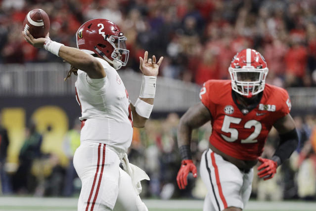 Alabama quarterback Jalen Hurts throws during the first half of the NCAA college football playoff championship game against Georgia Monday, Jan. 8, 2018, in Atlanta. (AP)