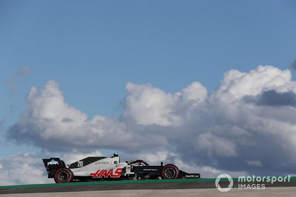 """Kevin Magnussen, Haas VF-20<span class=""""copyright"""">Charles Coates / Motorsport Images</span>"""
