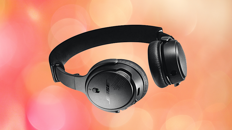 Don't miss the chance to get fancy-schmancy Bose headphones for just $100. (Photo: Bose)
