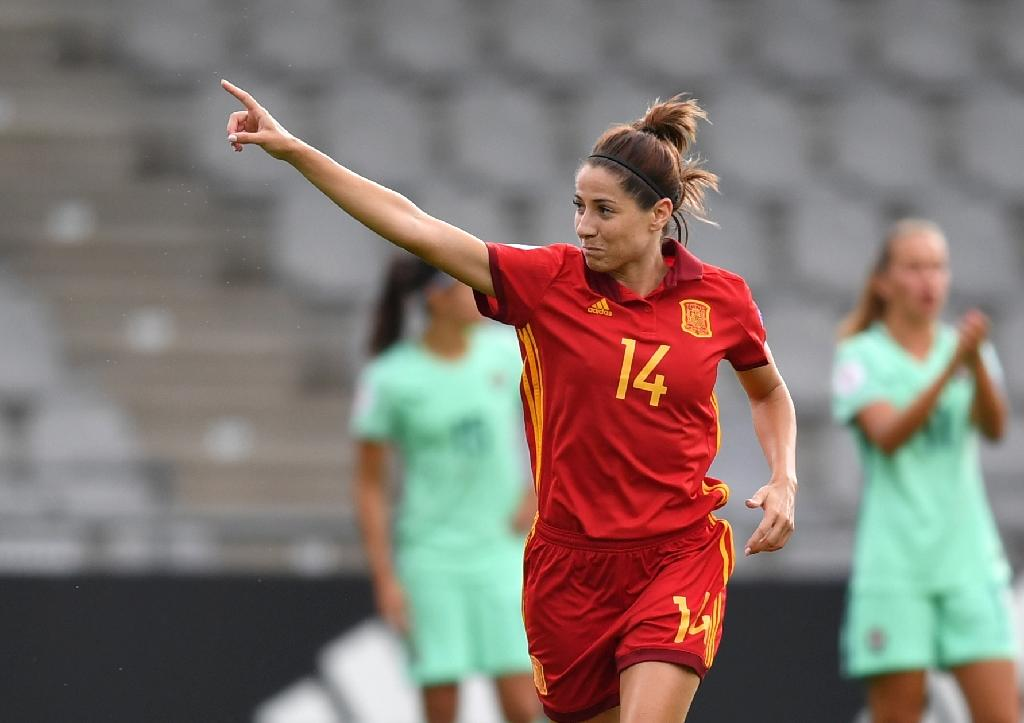 Vicky Losada of Spain scored the opening goal of her team's Group D Euro opener match against Portugal, setting Spain up for a comfortable 2-0 win (AFP Photo/DANIEL MIHAILESCU)