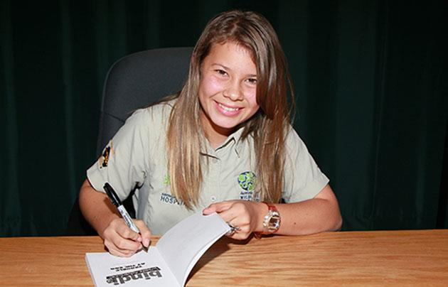 Bindi Irwin attends a signing for 'Trouble at the Zoo' (David Livingston/Getty)