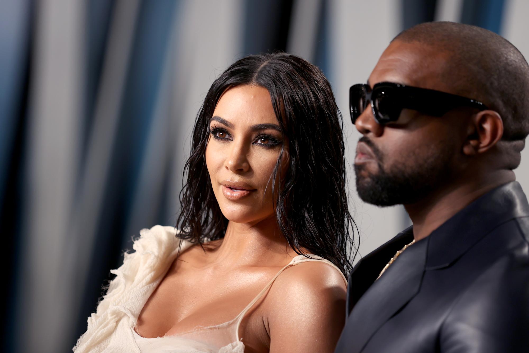 No shortage of signs that Kim Kardashian and Kanye West's marriage was in trouble