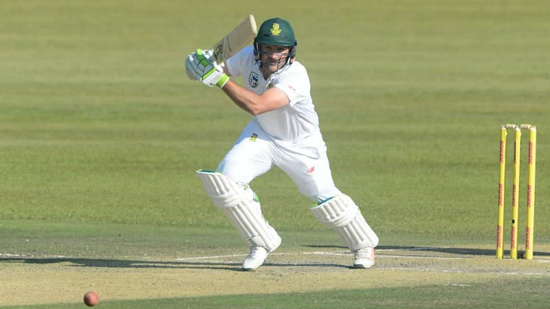 Surrey sign Elgar to cover Marsh's injury-enforced absence