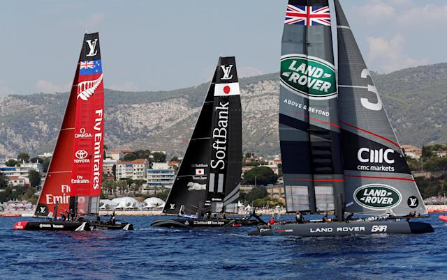 France Sailing - Louis Vuitton America's Cup World series - Toulon, France - 10/09/2016. Emirates Team New Zealand, Softbank Team Japan and Land Rover BAR (L to R) in action during Day One. REUTERS/Jean-Paul Pelissier